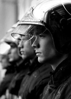 french-firemen-calendar-2016-pompiers-sans-frontieres-fred-goudon-16 (2)