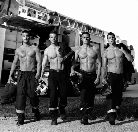 french-firemen-calendar-2016-pompiers-sans-frontieres-fred-goudon-24 (1)