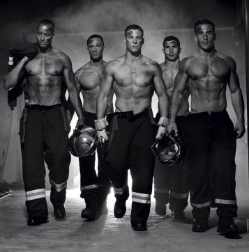 french-firemen-calendar-2016-pompiers-sans-frontieres-fred-goudon-27 (2)