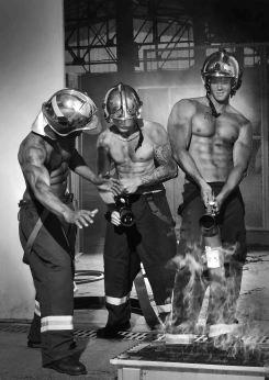 2-le-calendrier-des-pompiers-sans-frontieres-2017