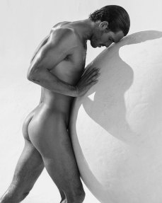 mariano_vivanco_portraits_nudes_flowers-09