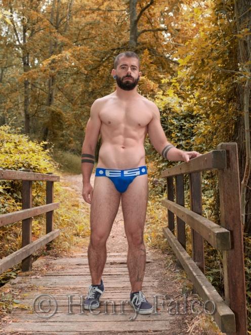 Bogoss_Sportif_Naked_Man_Forest_Cédric_17A4186_Henry_Falco