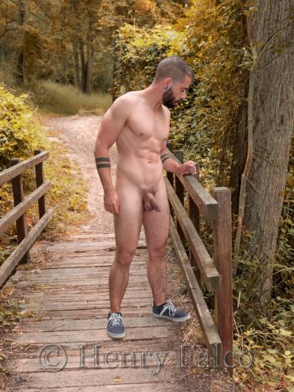 Bogoss_Sportif_Naked_Man_Forest_Cédric_17A4193_Henry_Falco