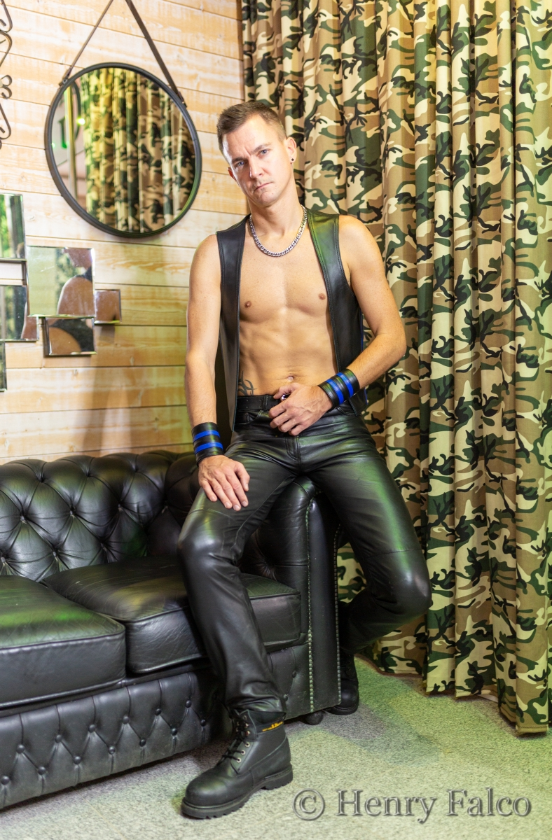 Leather__17A5953_HF_D